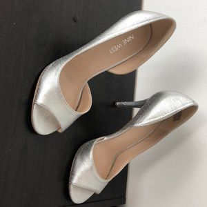 silver size 7 nine west dorsay heels